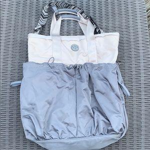 Lululemon Triumph gym bag ❤️💚💙💜